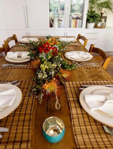 Australian flowers as a Christmas table centrepiece