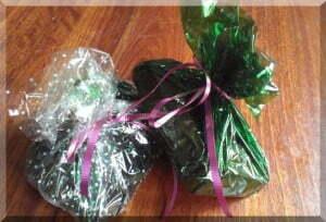 Banana cakes wrapped as Christmas gifts