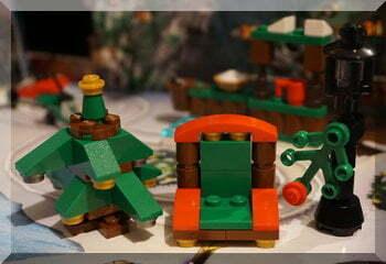 A Lego Christmas tree and Santa's seat (City advent calendar)