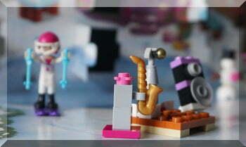 Lego freinds advent calendar day 9 sax