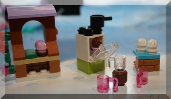 Lego oven, cakes and mugs from Friends advent calendar