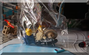 Lego police man in a plastic bag (unmade)