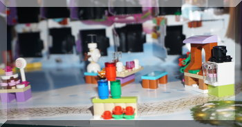 Bootle on a stand (Lego Friends)