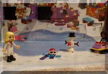 Lego Friends snow scene and skiiing equipment